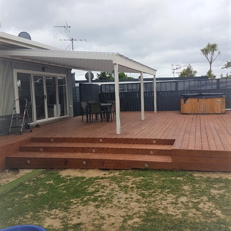 New pool deck and stairs stained