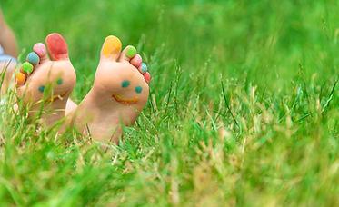 Photo pieds nus herbes.jpg