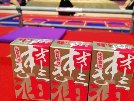 大相撲・名古屋場所でびんつけ油