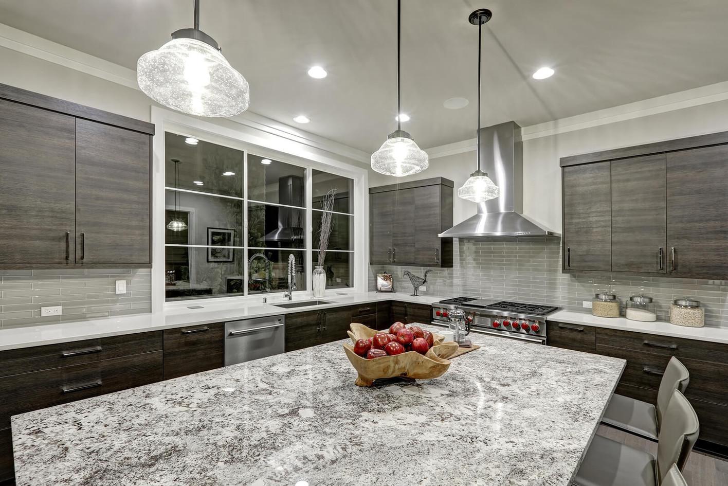 Modern-Traditional-Kitchen-Design