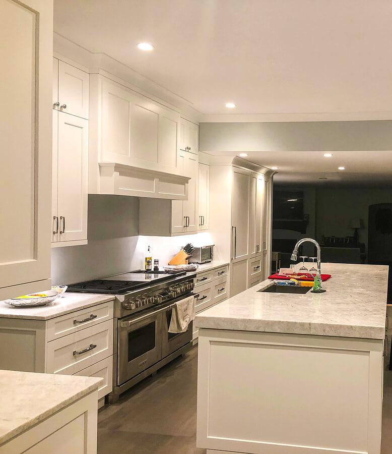 Kitchen remodel ideas: white cabinets with granite countertop