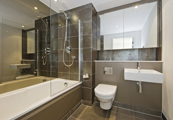 example-of-ceramic-floor in bathroom