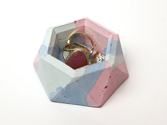 קערית לטבעות מבטון - צבעוני