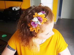 איך להכין קשת פרחים לשיער