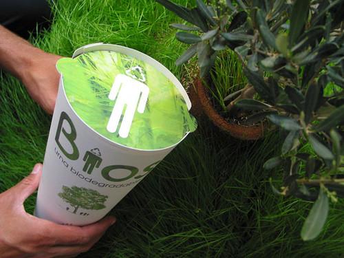 ejemplo de urna funerario que te convierte en árbol