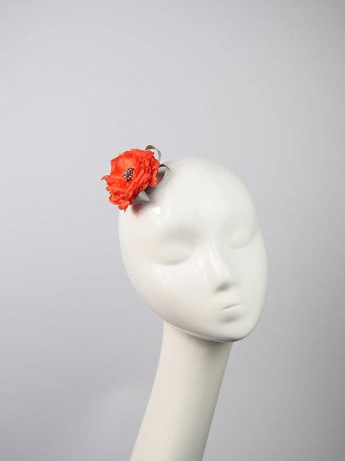 Flor: Orange Satin Hair Flower