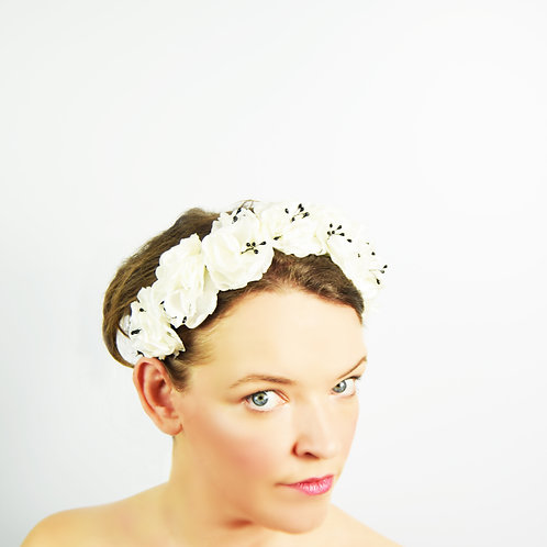 Florita: White and Black Floral Crown