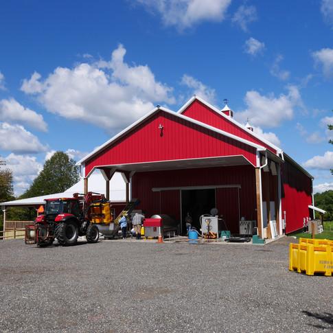 Robin Hill Farm & Vineyards 2017 Chardonel Harvest