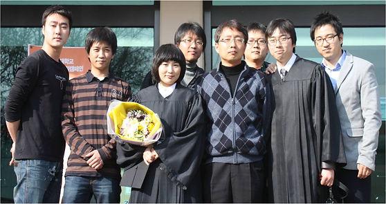 실험실 단체사진 (1).jpg
