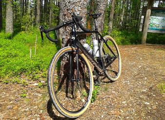 Gravel Cyclist's Tire Dilemma:      Knobbies or Slicks?                                 8/8