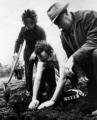councilman-john-miller-planting-squash-p