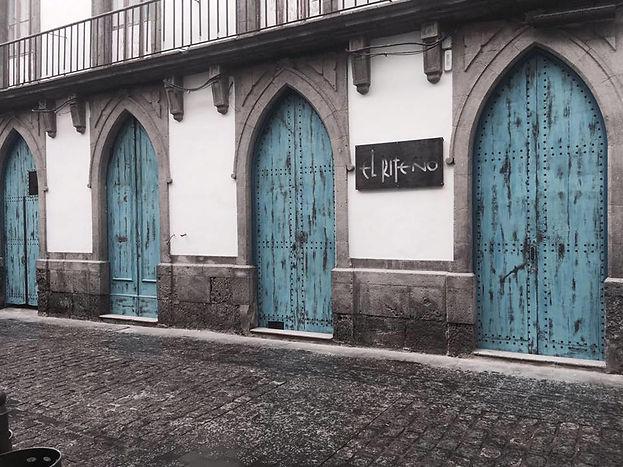 Las puertas azules