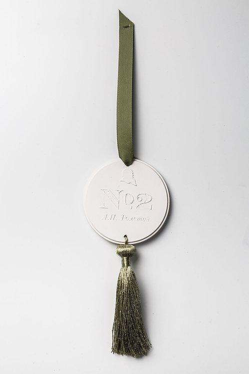 Саше-медальон Л.Н.Толстой