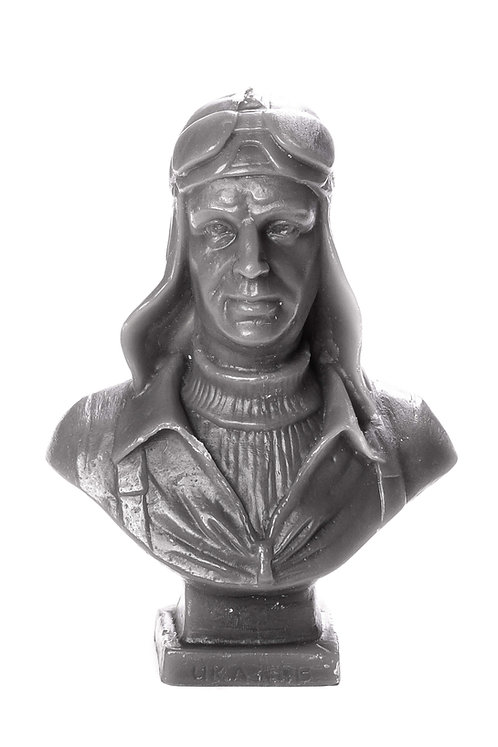 Кабинетная скульптура-свеча Чкалов В.П.