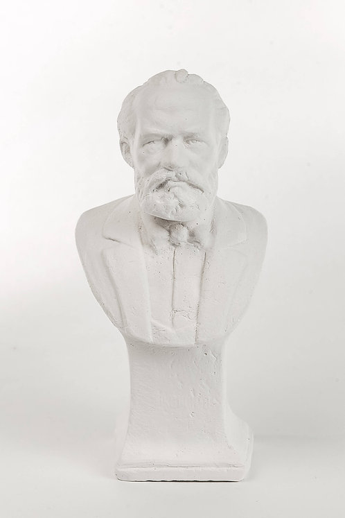 Кабинетная скульптура П.И.Чайковский