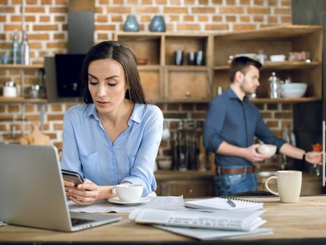 Télétravail : Vous travaillez des heures d'affilée sur votre ordinateur et votre smartphone ?