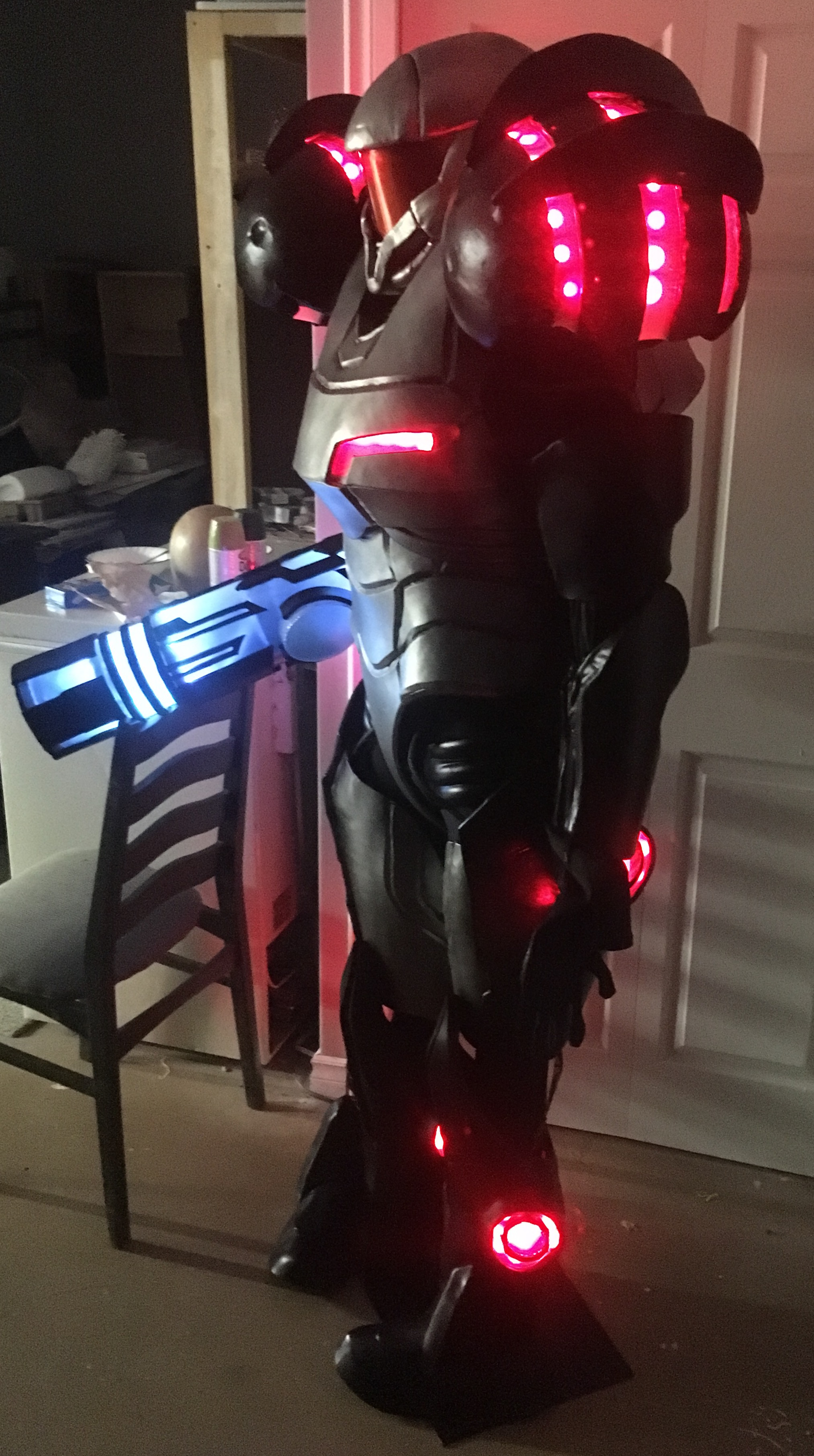 Samus Aran, LED gun and chestpiece