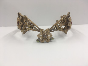 Crown Details Front View