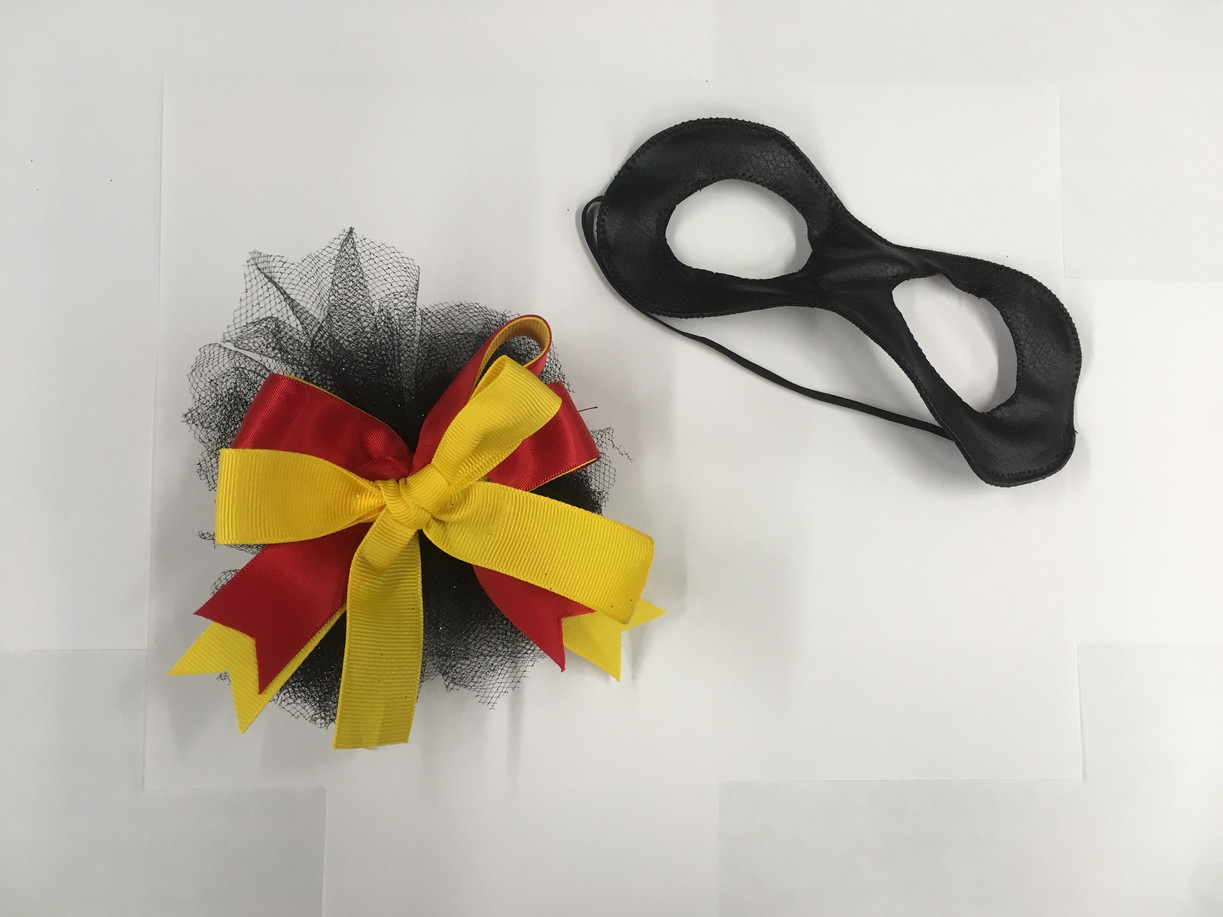 Incredibles accessories: Hair bow and mask