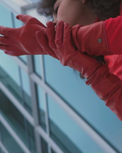 SG červené rukavičky