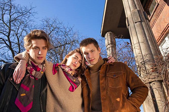 the spring scarves Otesanek