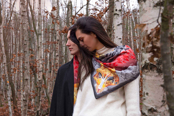 Ona a on a šátek Karkulka / She and he