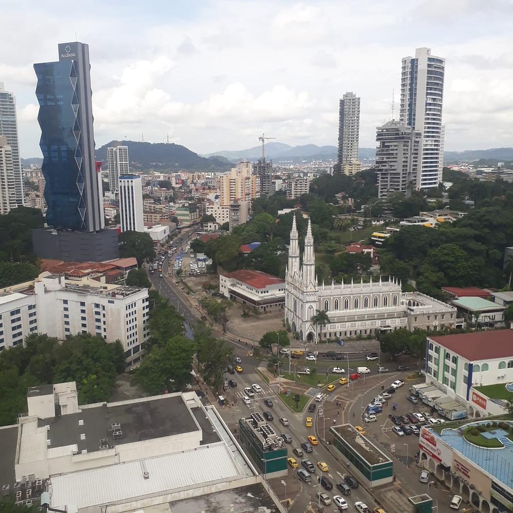 Investigación de mercado inmobiliario y bienes raíces