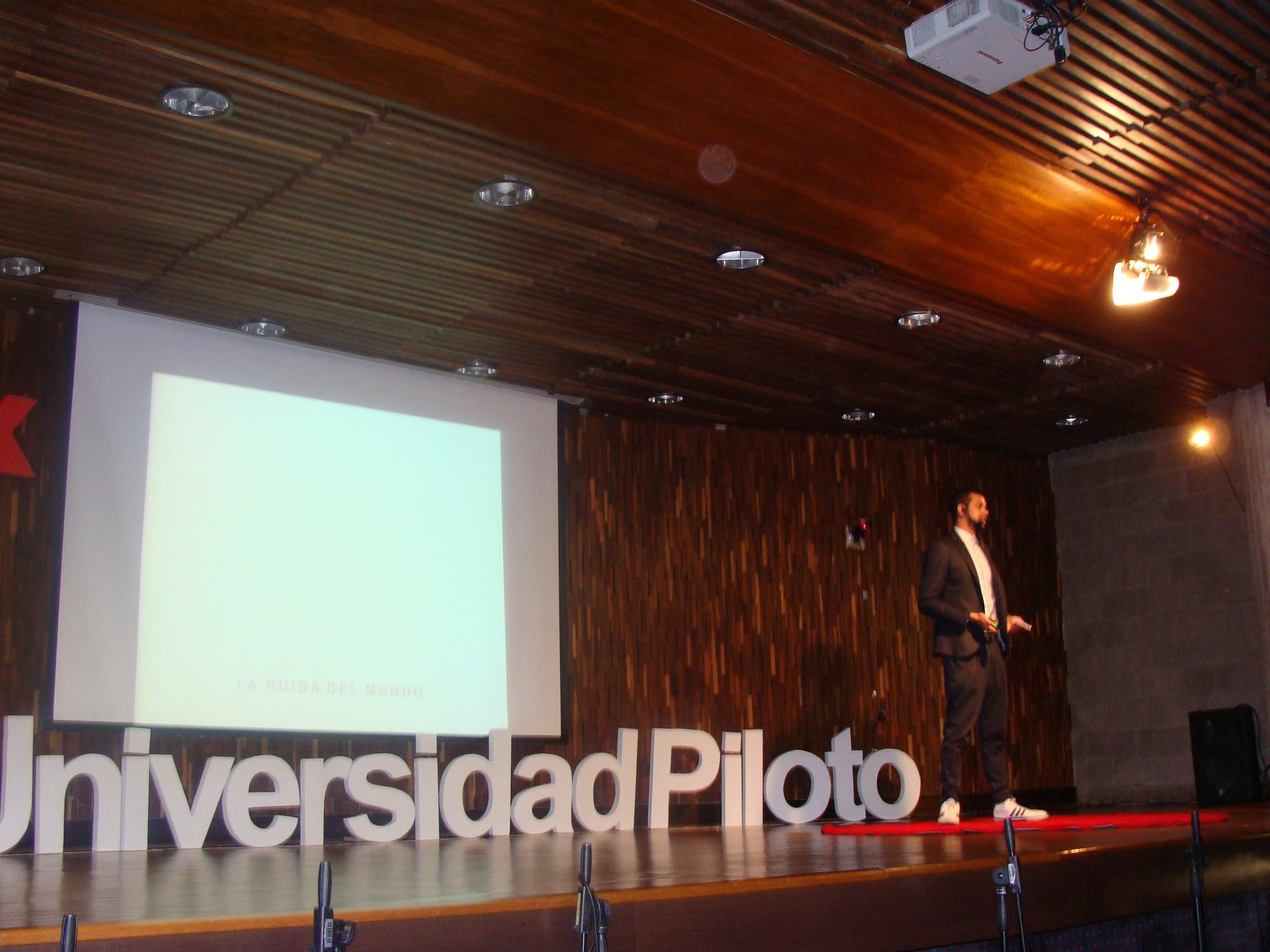 TEDx Creatividad Positiva – Silvana Navarro-Hoyos