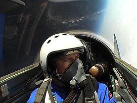 Voara em um avião de caça russo Voar em um caça Mig-29 russo Turismo extremo na Rússia Guia Turistico na Rússia e Ucrânia