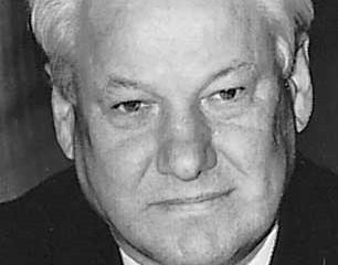 """Nós deveríamos prender o presidente""  Em 20 de julho de 1998 o presidente Boris Yeltsin d"