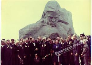 """""""Morro mas não me rendo!"""". Brest e Misnk, conheça a Bielorrúsia"""