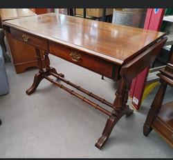 item 609 - mahogany table