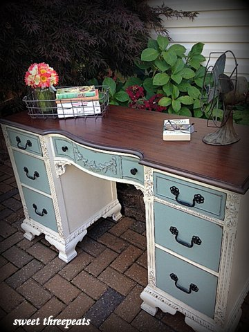 two toned desk in gf milk paint