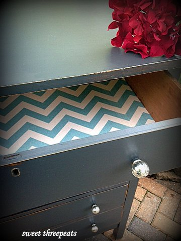 queenstown gray chest chevron liner