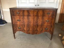 item 610 - dresser