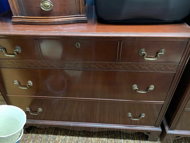 item 562 - vintage dresser