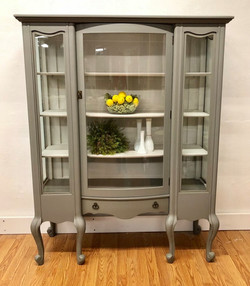 hutch in perfect gray