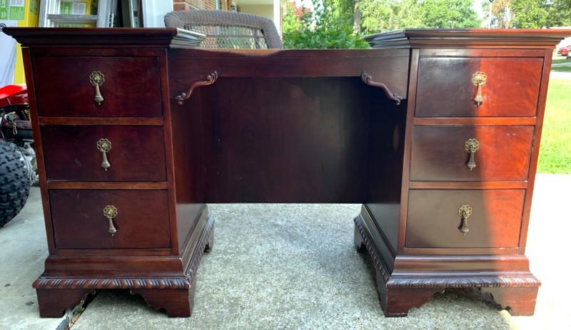 item 528 - antique vanity