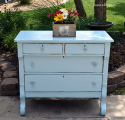 belle craie bali blue empire dresser