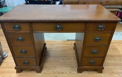 item 613 - desk