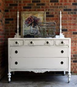 snow white dresser