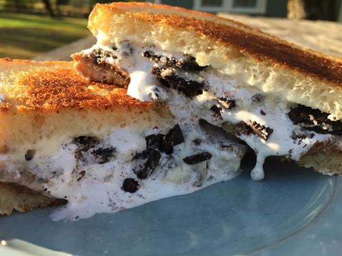 Cookies & Cream Sandwich
