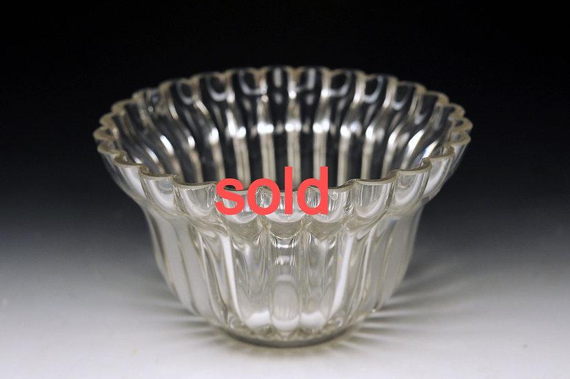 江戸ガラス 型吹き菊形小鉢