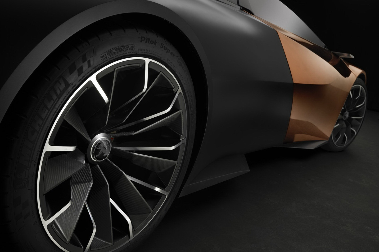 Peugeot-Onyx-8[2].jpg