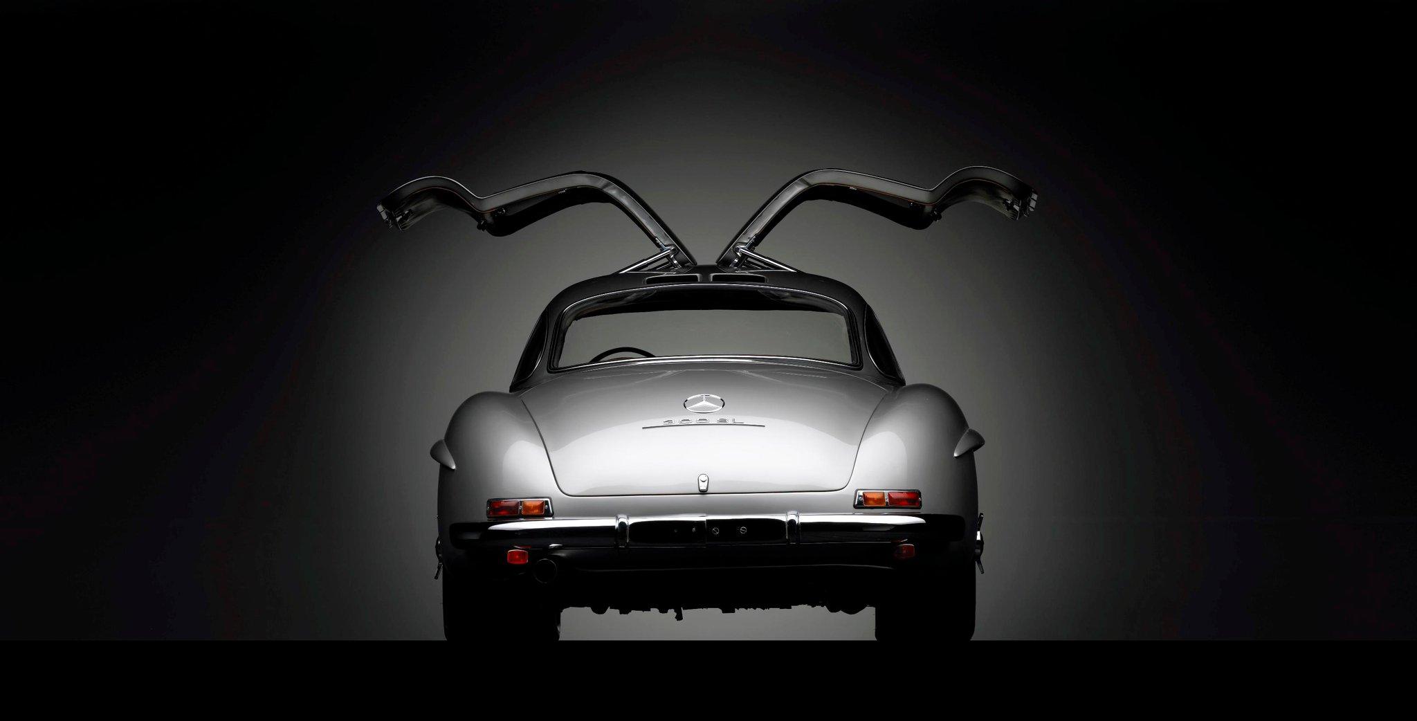 Mercedes-Benz-300-SL-Gullwing-1955.jpg
