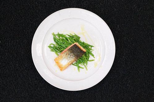 SALMÃO Grelhado // Grilled Salmon