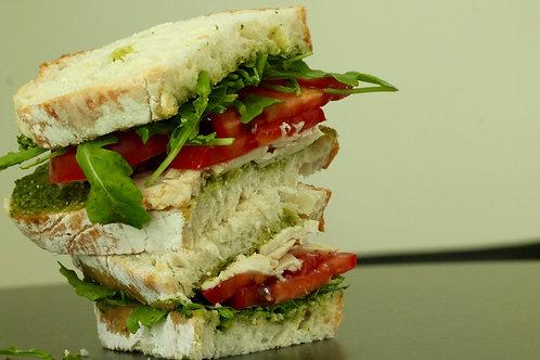 Sande Frango, Tomate e Rúcula // Chicken Sandwich