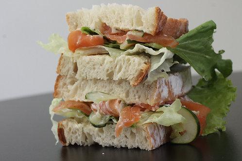Sande Salmão Curado // Salmon Sandwich