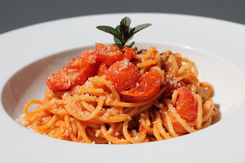 (v) Massa com Tomate e Parmesão // Tomato, Parmesan Pasta