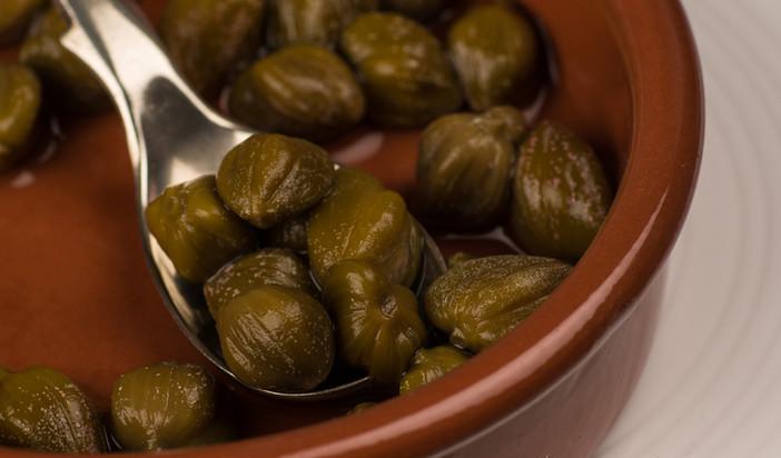 Capers preserved in spirit vinegar